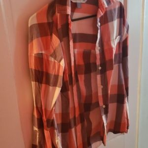 Old navy boyfriend plaid shirt